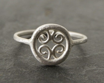 Little Venetian Ring in Matte Sterling Silver