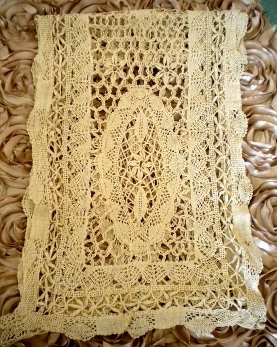 1940's Ecru Crochet Lace Runner
