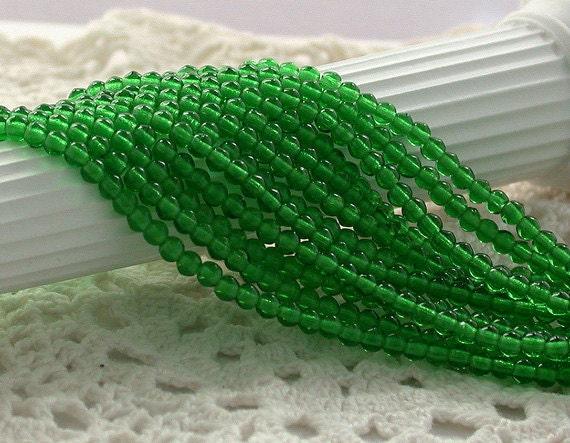 3mm Druks, Czech Glass Beads, Emerald Green Beads, Kelly Green Beads, Czech Glass Druks, CZ-074