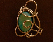 Wire Penadant with Mother of Pearl