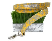 Yellow and grey  paisley hip dog leash...