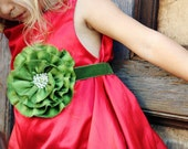 Holiday Flower Belt in Pine Green