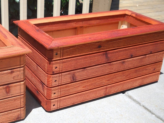 Grady's Favorite - Rectangular planter box.  Available in: Heart Redwood, Western Red Cedar.