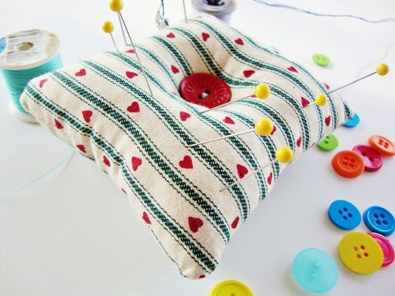 Pillow Pincusion - Primitive Pincushion - square pillow pincushion