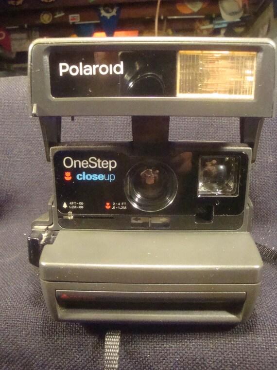 Polaroid 600plus Land Camera, One Step Close Up, green Label 600plus Film, VeryFine condition. No PayPal.01