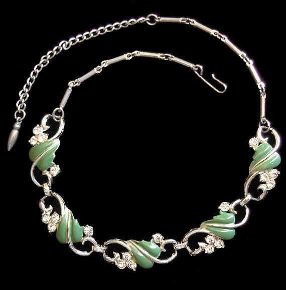 HOLIDAY Vintage 50's Sage Green Enamel Leaf  & Rhinestones Link Necklace