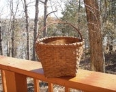 Hand Woven Williamsburg Style Basket