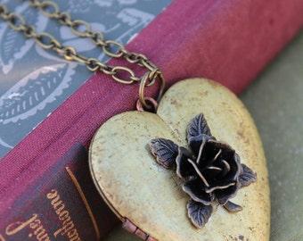 Heart Locket, Vintage heart necklace, Rose heart locket, vintage rose necklace, Valentine jewelry, gift for her