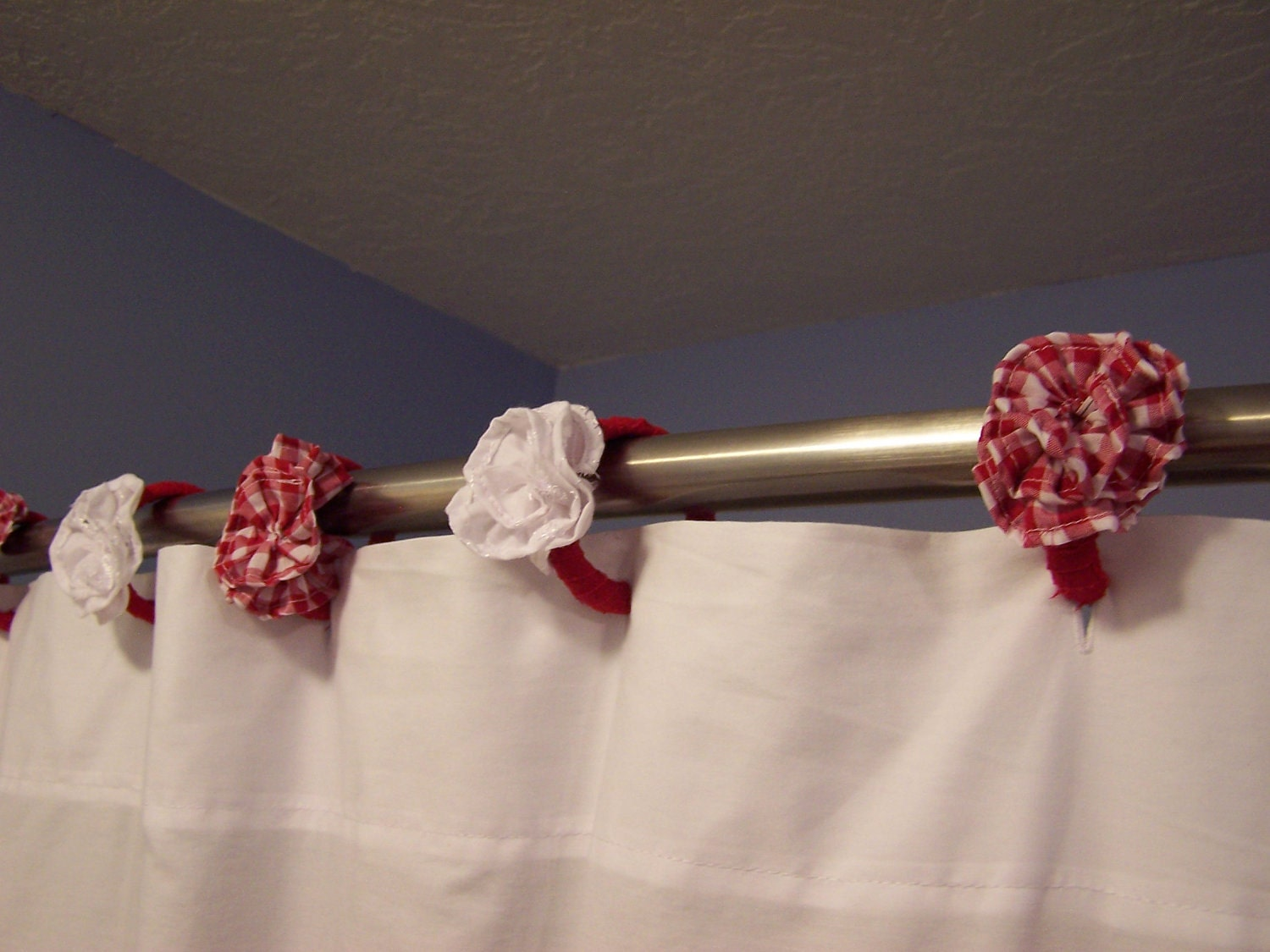 Hooks Shower Curtain Rod Flowers Red White by CountryRuffles