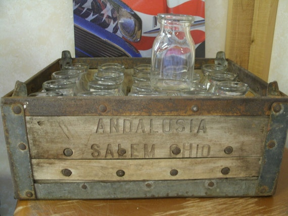 Wood Half Pint Milk Crate with 20 bottles- Andalusia DRY