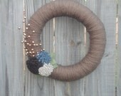 Winter/Wedding Yarn Wreath Door Decoration/Door Decor with Felt Flowers and Gold Berries: Can customize colors