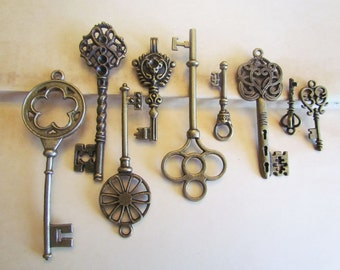 Bronze Key Charms - Assorted - 13mm - 69mm - 6pcs - Ships IMMEDIATELY from California - BC175