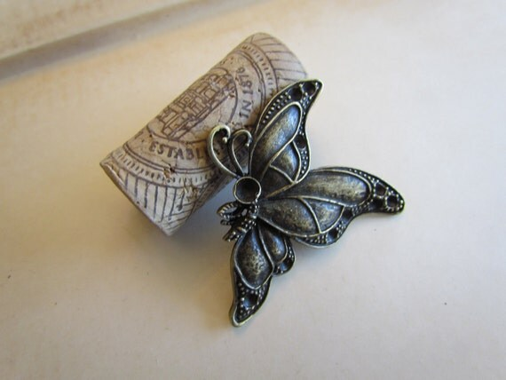 Bronze Butterfly Pendants - Antique Bronze - 54x46mm - 3pcs - Ships IMMEDIATELY from California - BC109