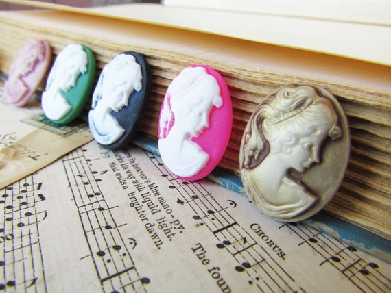 Lady Cameo Cabochons Assorted 28x21mm - 5pcs - Ships IMMEDIATELY from California - C03