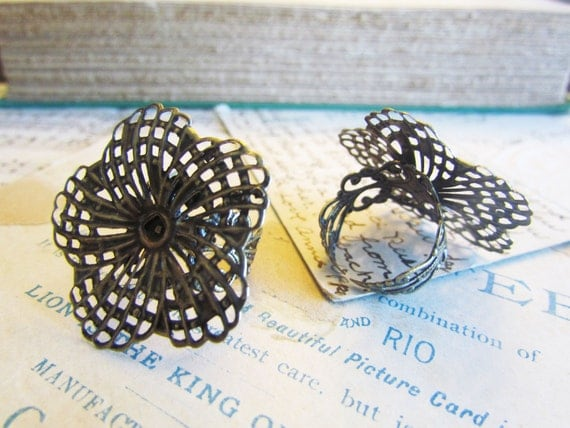 5 Bronze Adjustable Rings - Antique Bronze - Filigree Flower - Cabochon Settings - 18.3mm - Ships IMMEDIATELY from California - A32