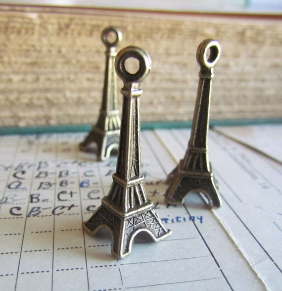 Antique Bronze Large Eiffel Tower Charms 30x9mm 5pcs  - Ships Immediately from California - BC230