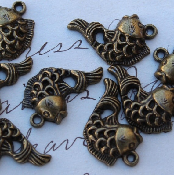 Fish Charms Bronze Antique 20x12mm - Ships IMMEDIATELY  from California - BC315