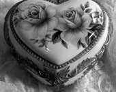 Vintage Music Box Heart Jewelry Box Wind Up