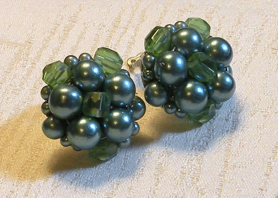 Vintage Earrings Cluster Clip Back Faux Pearl  Gorgeous Vintage Earrings Japan