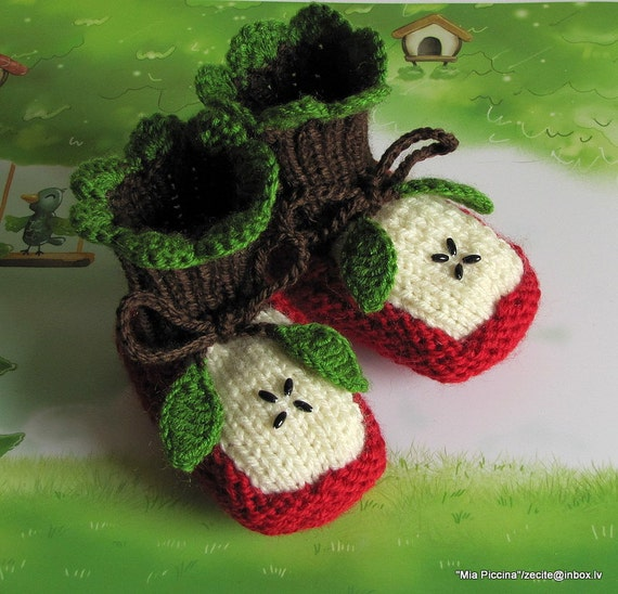 "Knitted Baby booties ""Two Apple halves"", baby shoes, hand knit baby shoes"