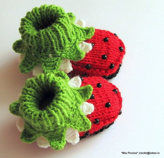 """Knitted Baby girl booties """"Ladybugs"""", baby girl shoes, knitting, kids clothing / size 4-6M"""