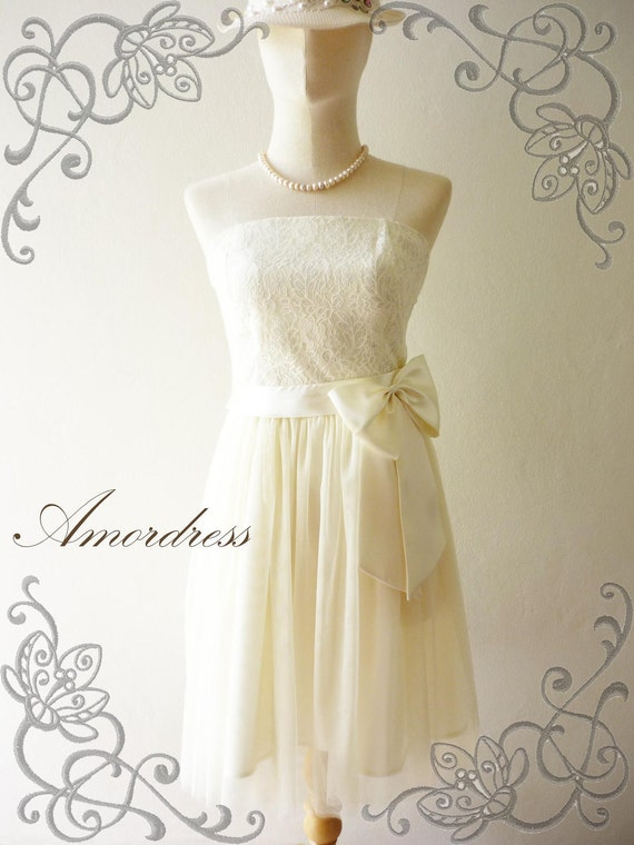 LIMITED--Amor Vintage Inspired- Princess Romance- Strapless Gorgeous Lace Tulle Dress Classic Cream for Wedding, Prom, Any Special Day