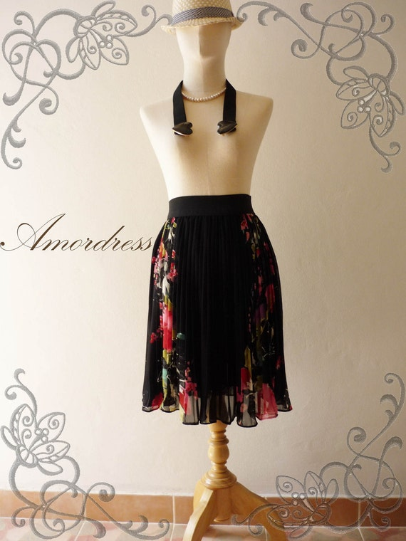 Vintage Inspired Playful Black Pleated Skirt with Charming Oriental Flower Skirt Mix and Match