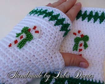 Instant Download Crochet PDF Pattern - CHRISTMAS fingerless mittens