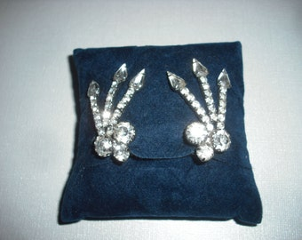 Vintage Elegant RHINESTONE Clip-on EARRINGS that Hug Ear Lobe