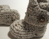 Newborn crochet ankle boots. Crochet ankle boots. Crochet baby booties. 0 to 3 months. Made to order. Unisex.