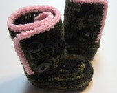 Girls camouflage booties.   Ankle boots.  Infant booties. Toddler booties. 6 to 12 month, 12 month, 18 month, 24 month.  Made to order.