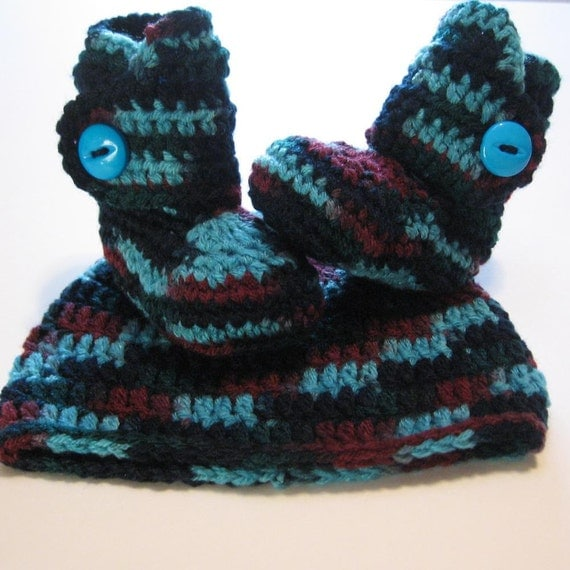 Crochet baby booties and hat set.  Baby boy.  Ready to ship.  Newborn to 3 months.