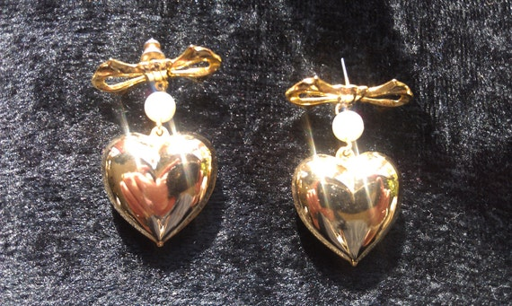 Earrings, Vintage, Gold Hearts, Pearl and Gold Metal Bow, Stud Back