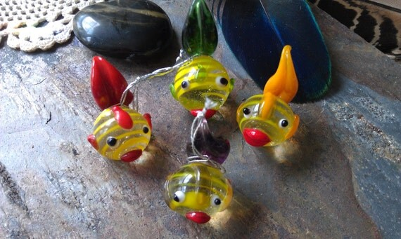 Vintage Glass Fish, hand blown, collectable, so cute Free shipping listing is for 9 fishies