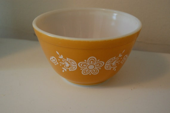 SALE Vintage Butterfly Gold Pyrex // Mixing Bowl // 1960 1970 // Humane Society Donation