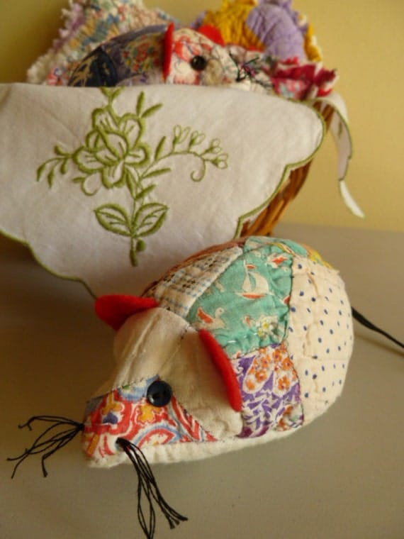 Recycled Antique Quilt Country Mouse EMERY Pincushion