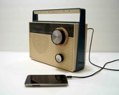 aM radio and MP3 speaker made from vintage Airline tube radio