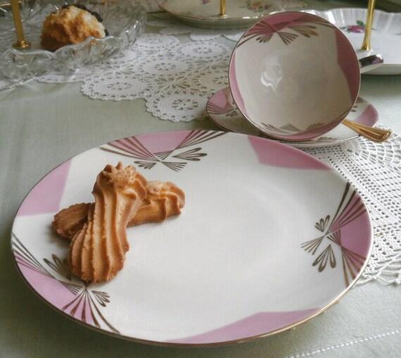 Bubblegum Pink - 1960s Vintage - TEACUP, SAUCER, PLATE - Bareuther - Waldsassen, Bavaria, Germany