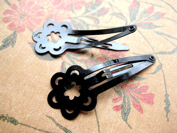 CLEARANCE - 40 Assorted Black Flower hair Clips - 20mm wide, 39mm long