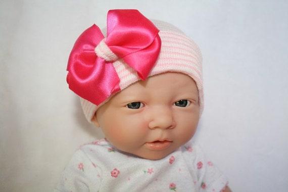 First Bow Newborn Hospital Hat (Pink)