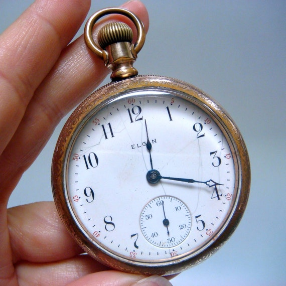 REDUCED - Antique cir 1907 Pocket Watch Size 18s - 105yrs old and works great