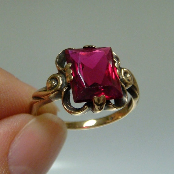 Art Nouveau Ruby Estate Ring 10k