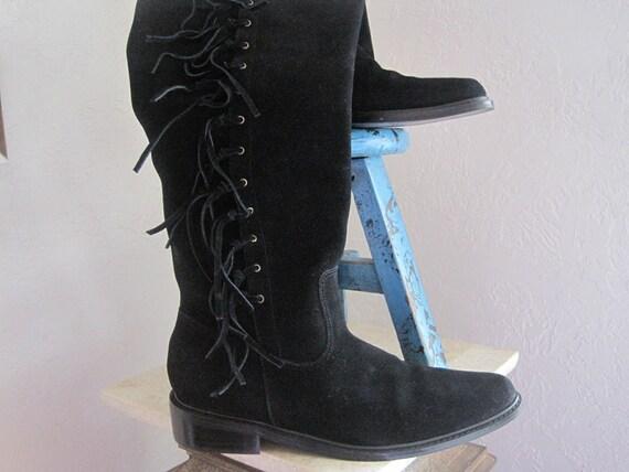 Colin Stuart size 8 black suede boots