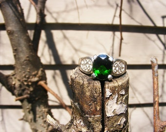 Stunning Chrome Diopside Ring, Be Unique. size 7