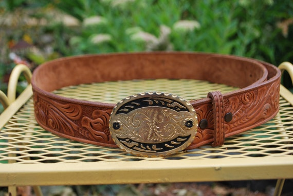 Vintage 70s Tooled Brown Leather Floral Belt With  Buckle