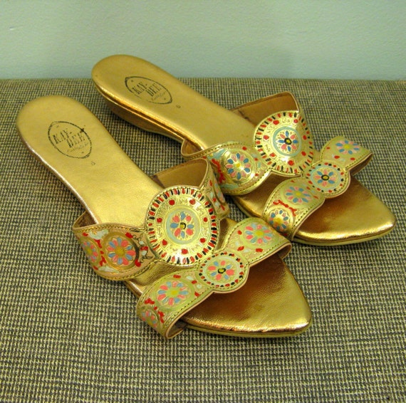 1960s Gold PIXIE SLIPPERS // Egyptian Painted Mosaic Sandals // 8 8.5 M