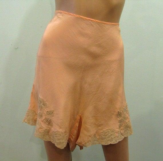 1920s Peach Silk TAP PANTS // L/32 Waist
