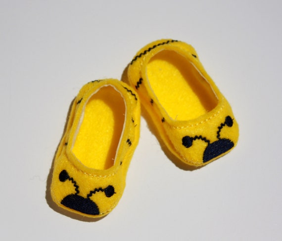 """Doll Shoes fit 18"""" like American Girl Dolls,  Felt shoes yellow bumblebee"""