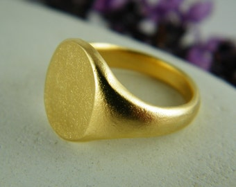 Gold signet ring  round classic gold ring monogram signet ring
