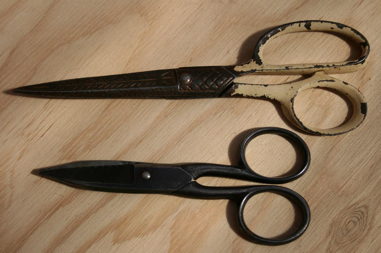 Vintage Sewing Scissors-2pc